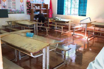 Vệ sinh trường lớp định kỳ để đón học sinh đi học trở lại sau dịch Covid – 19