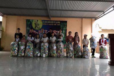 Tổ chức trung thu cho các em học sinh