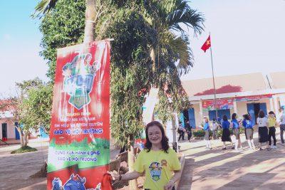 Nhảy đồng diễn Chiến Binh Xanh tại trường tiểu học Nguyễn Văn Trỗi